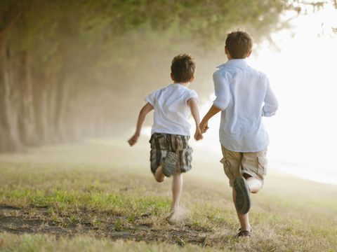 I vantaggi di avere un fratello o una sorella