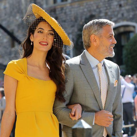 Yellow, Fashion, Street fashion, Event, Shoulder, Human, Tourism, Dress, Blond, Suit,