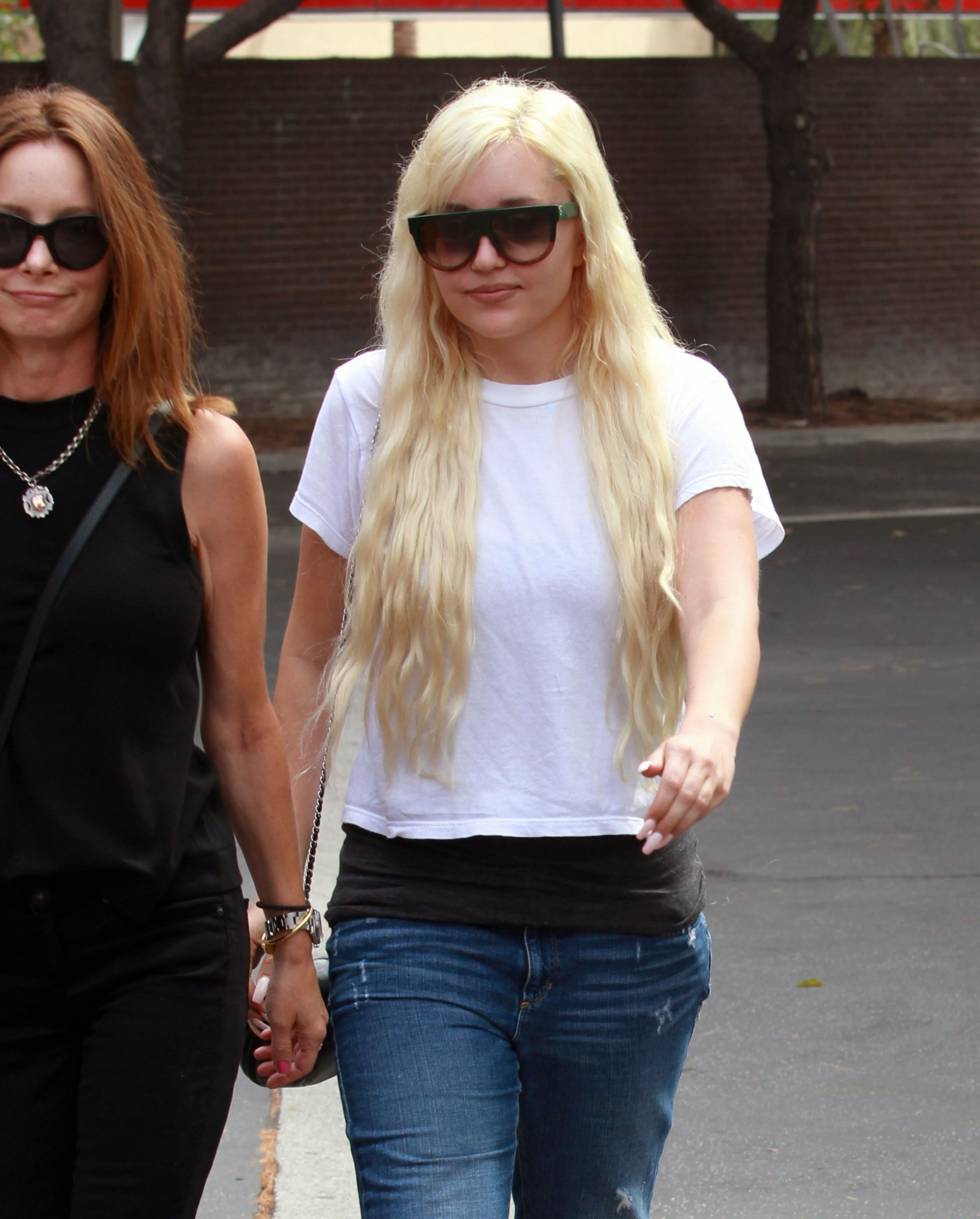 Amanda Bynes Shares a First Look at Her Mysterious Fiancé on Instagram
