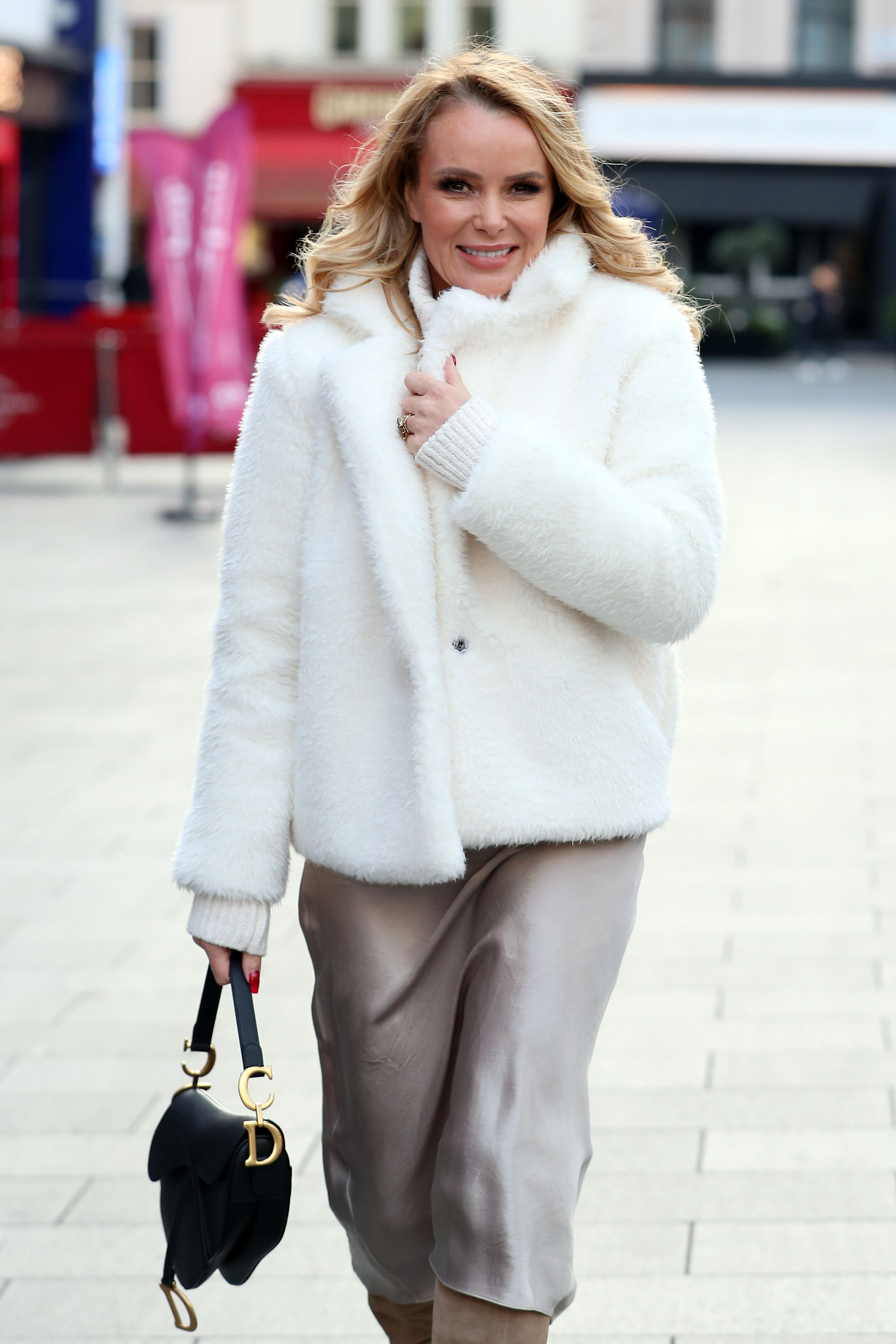 Amanda Holden Tape https://www.prima.co.uk/leisure/tv-and-film/a30511839/steph