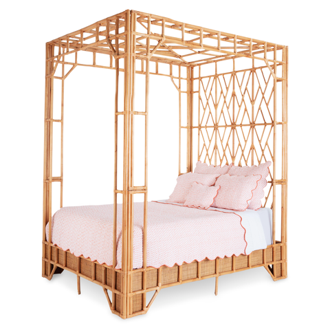 amanda lindroth canopy bed