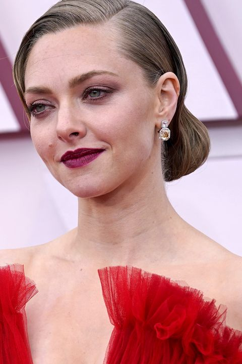 amanda seyfried oscars makeup