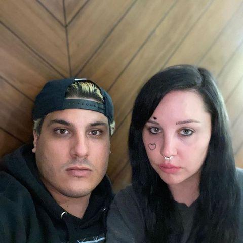 Face, Eyebrow, Hair, Forehead, Cheek, Nose, Head, Selfie, Chin, Skin,