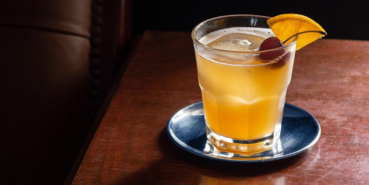 Our Favourite Amaretto Sour Recipe