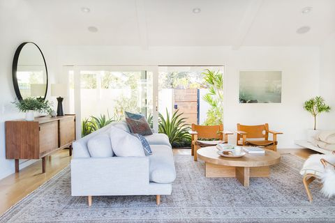 Living room, Room, White, Interior design, Property, Furniture, Coffee table, House, Building, Table,