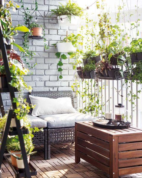 Terraza con muebles de IKEA