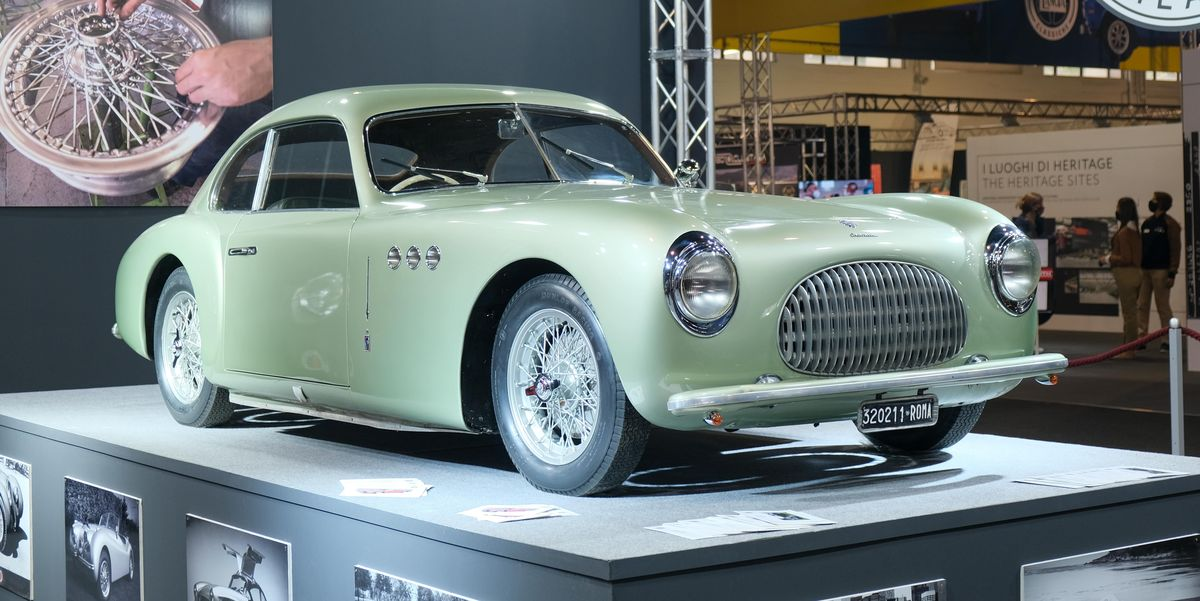 32 Cars and Motorcycles We Must Have from Auto y Moto d'Epoca in Italy