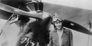 Chi è Amelia Earhart, la prima aviatrice a sorvolare l'Atlantico