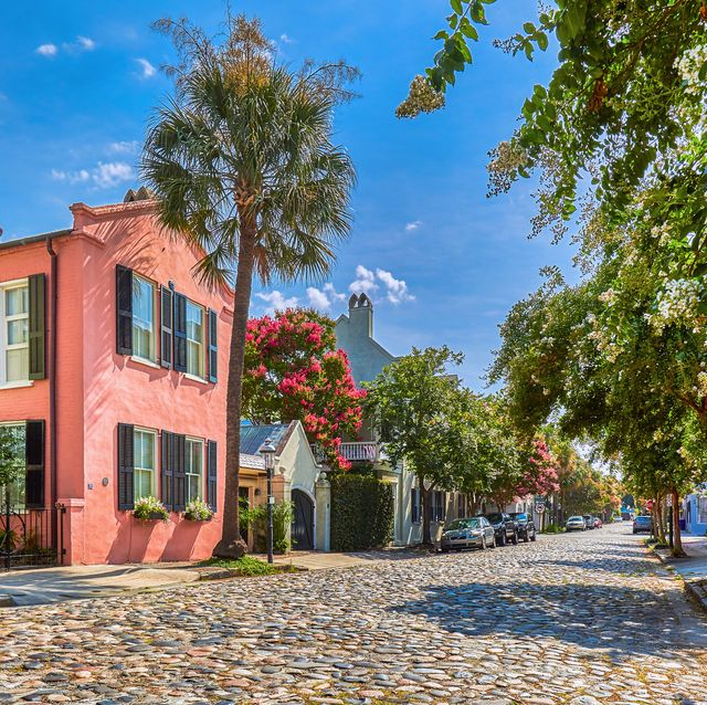 cobblestoned chalmers street and historic buildings in charleston, south carolina,usa