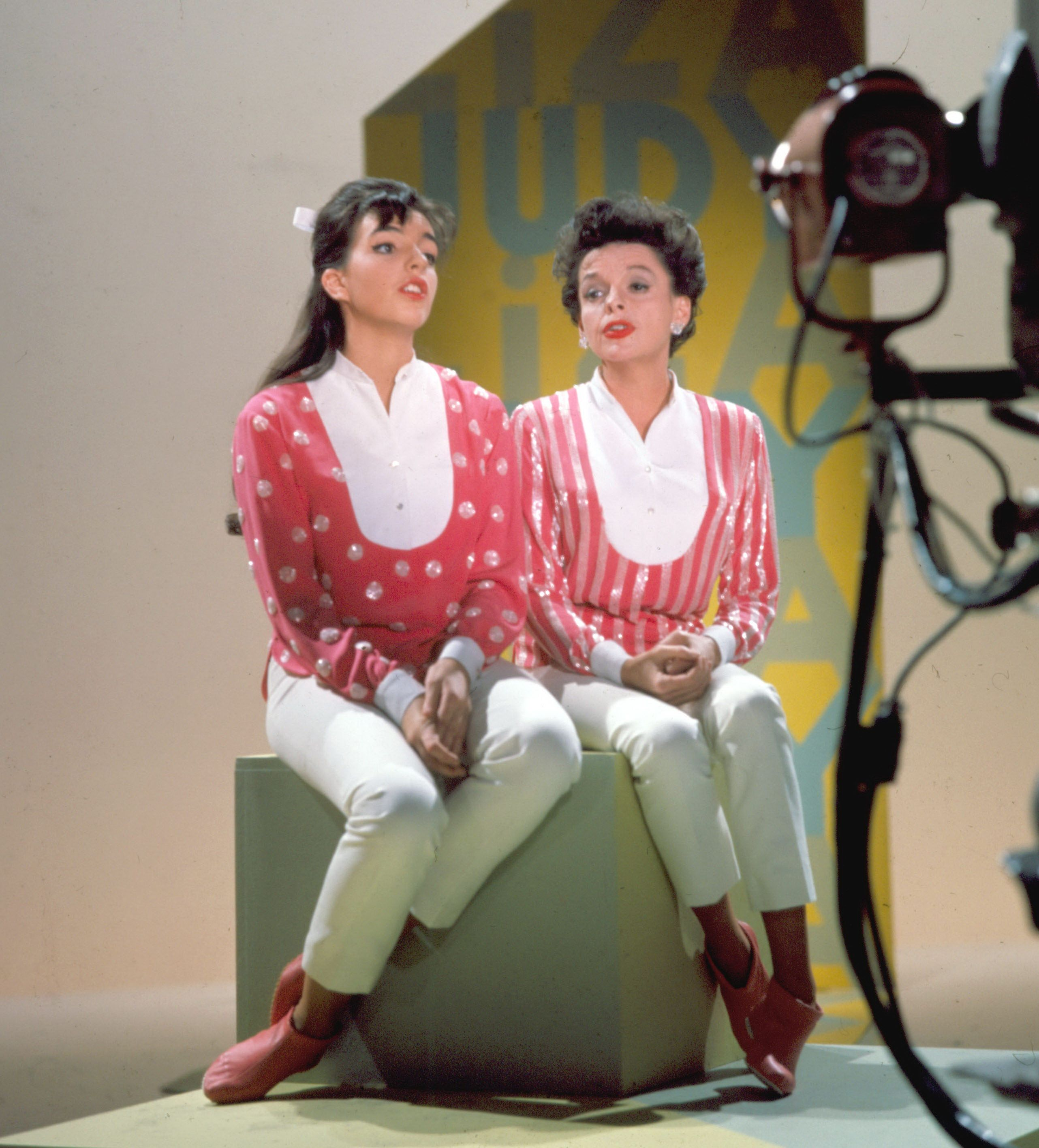 Liza Minnelli Talks About Mother Judy Garland Renee Zellweger S Judy