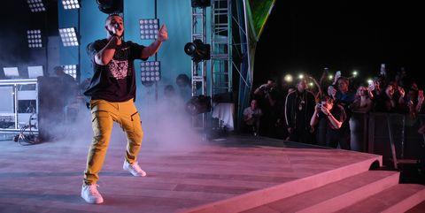 Entertainment, Dance, Performing arts, Performance, Dancer, Event, Performance art, Choreography, Hip-hop dance, Fashion,