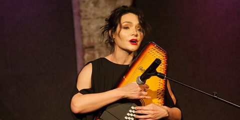 Musician, Musical instrument, Performance, Talent show, Music, Folk instrument, Plucked string instruments, Performing arts, Guitar, Autoharp,