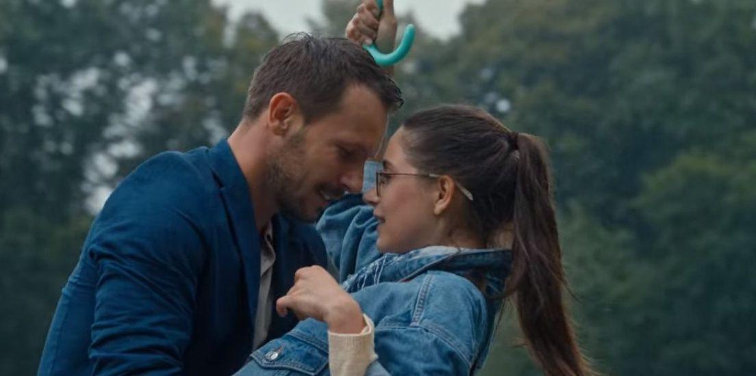 Amor Al Cuadrado La Película Romántica De Netflix Que Acabarás Viendo Aunque Te