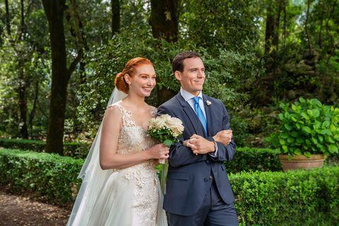 Una pareja se casa en la peliculaAmor. Boda. Azar.