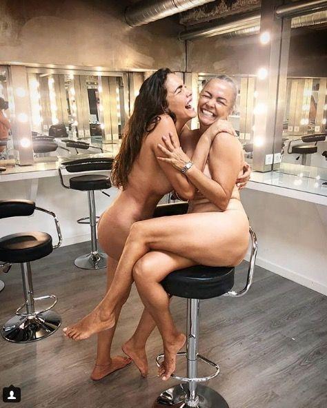 Leg, Muscle, Mouth, Black hair, Room, Human leg, Photography, Sitting, Long hair, Thigh,