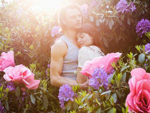Nose, Petal, Plant, Flower, Pink, People in nature, Purple, Shrub, Flowering plant, Sunlight,