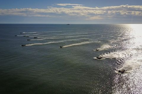 amphibious vehicles on the sea during the amphibious bold alligator exercise organized by the us navy and the marine corps on the east coast of the united states at camp lejeune, north carolina, jacksonville, usa