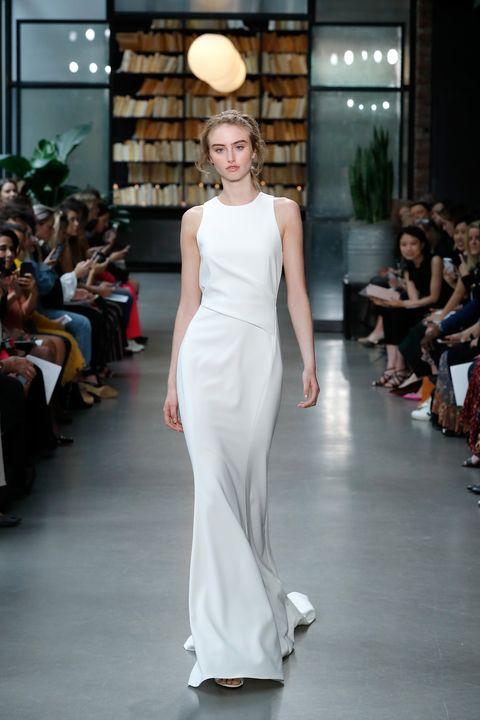 Fashion model, Clothing, Dress, Fashion, Gown, Shoulder, Wedding dress, Fashion show, Runway, Haute couture,