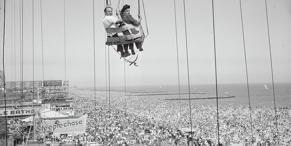 40 Photos of Amusement Park Rides Through the Years That'll Make Your Stomach Do Flip-Flops