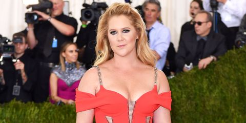 Hair, Blond, Red carpet, Shoulder, Hairstyle, Beauty, Carpet, Premiere, Fashion, Event,