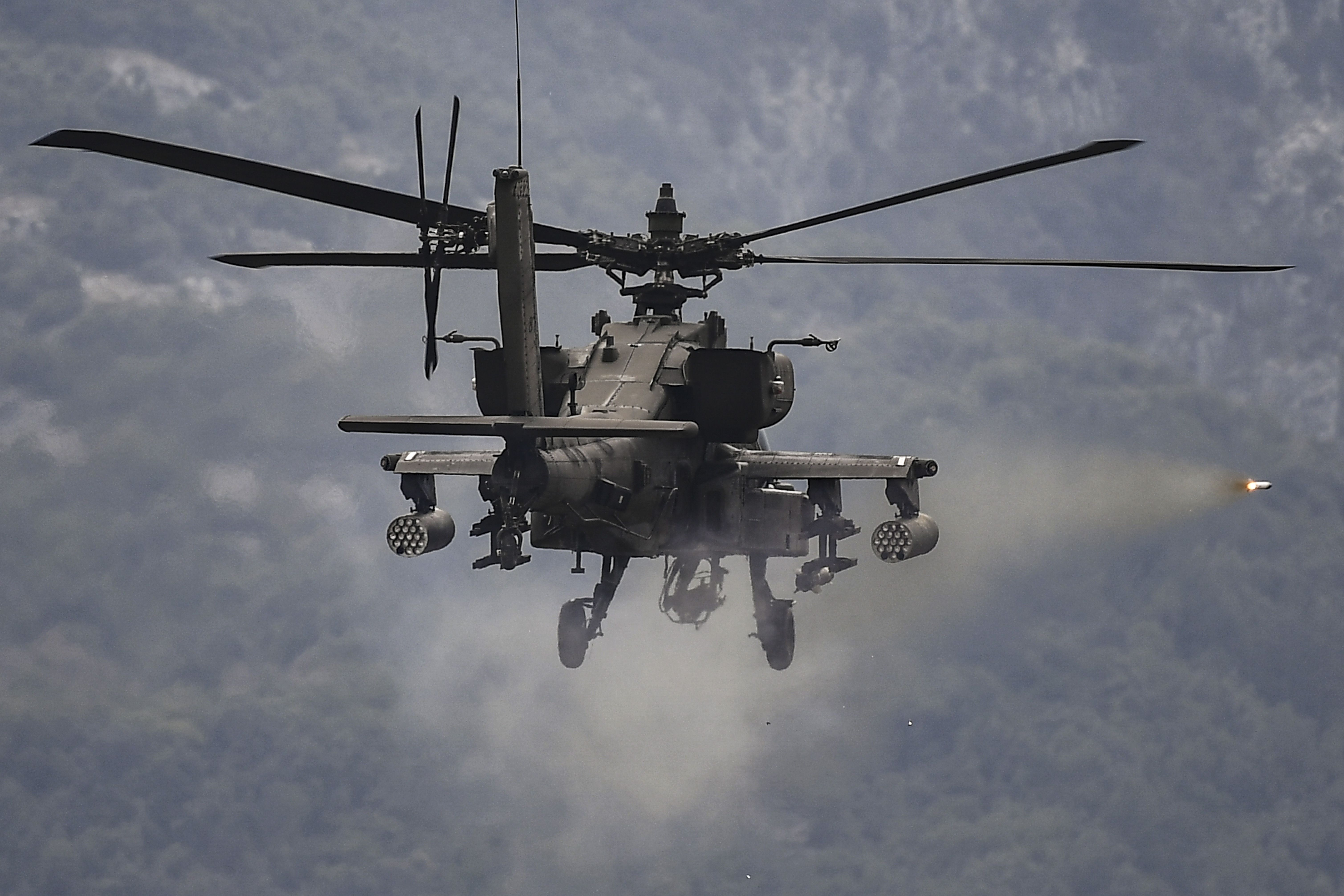 The Apache Needs a New Long-Range Missile. Badly.