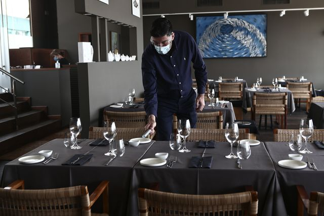 cafes and restaurants reopens in greece