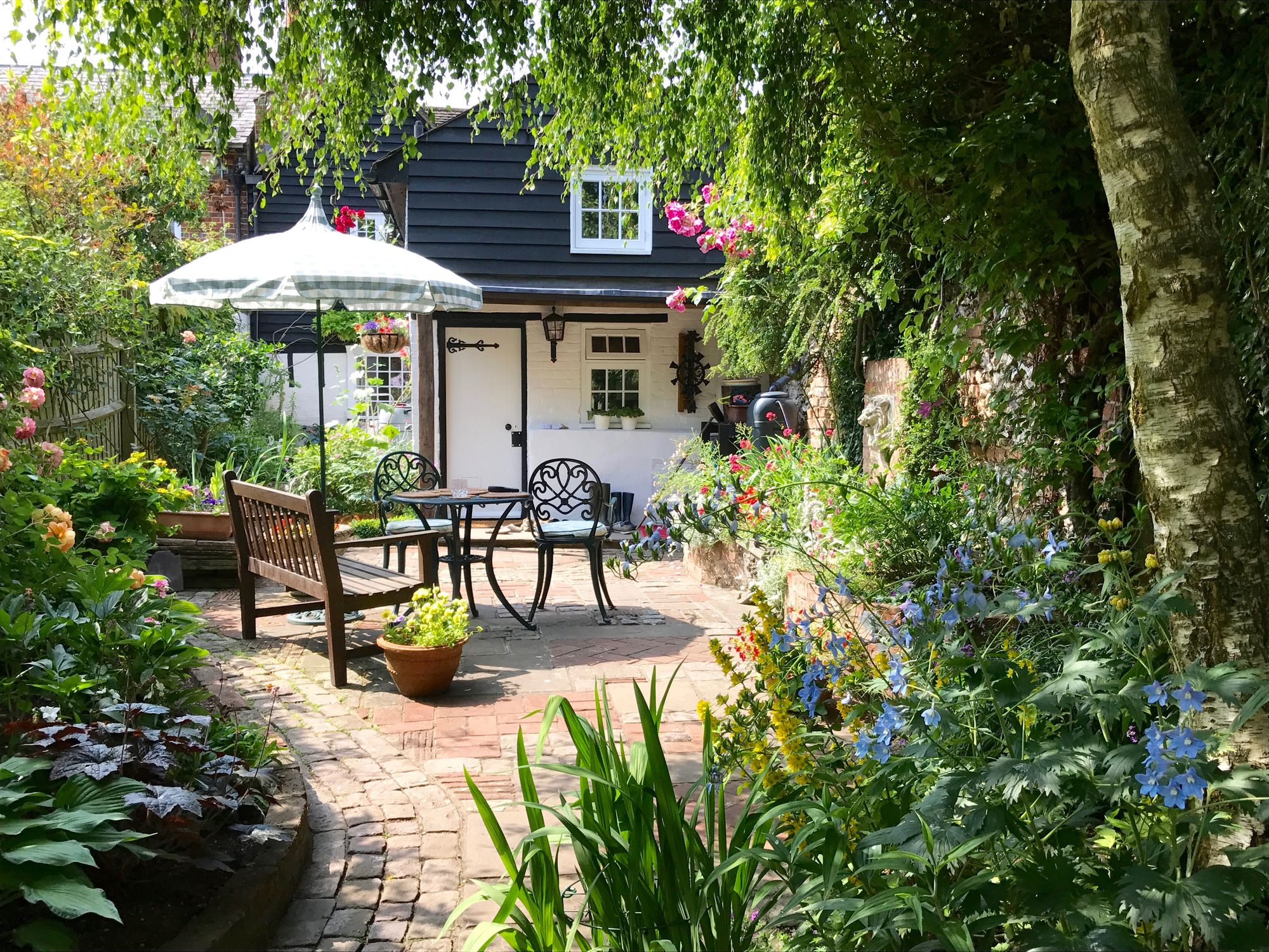 Small Garden Design Ideas From Gardeners