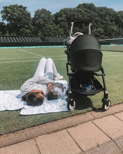 Ana Boyer y su hijo Miguel instagram.