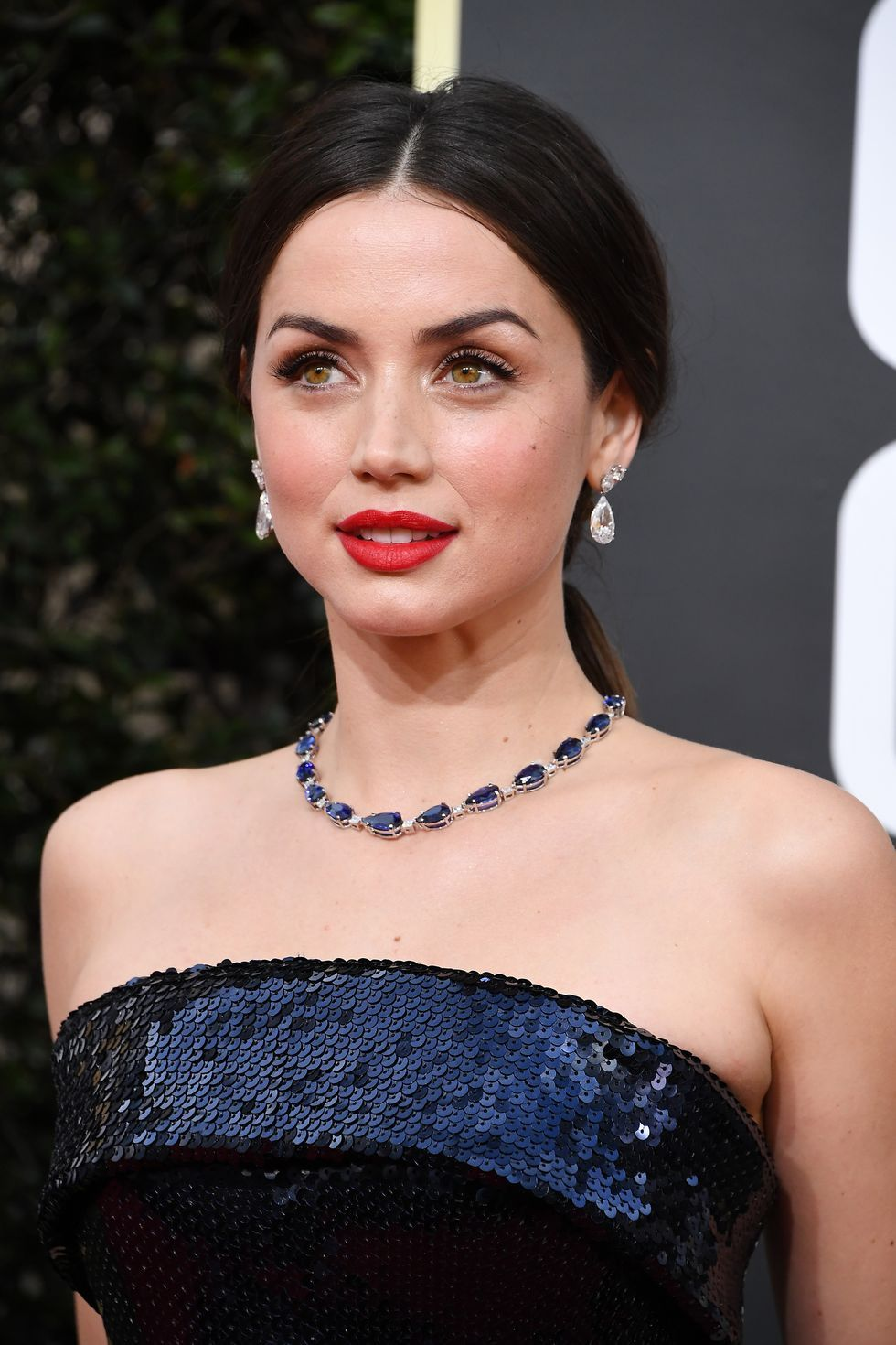 https://hips.hearstapps.com/hmg-prod.s3.amazonaws.com/images/ana-de-armas-attends-the-77th-annual-golden-globe-awards-at-news-photo-1578269061.jpg?crop=1xw%3A1xh%3Bcenter%2Ctop&resize=980%3A%2A