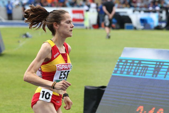 la atleta alcarreña ana lozano compite en los 5000m del europeo por selecciones de atletismo