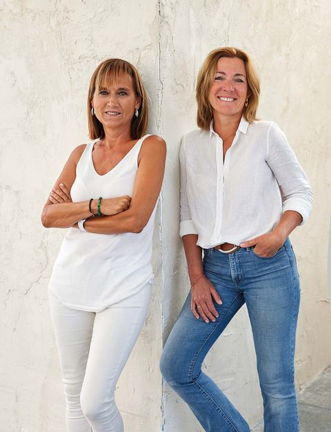 White, People, Jeans, Standing, Fun, Arm, Gesture, Photography, Denim, Photo shoot,