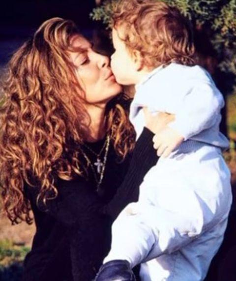 ana obregón homenajea a su hijo fallecido en el día de la madre