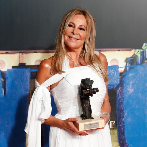 ana obregón recibe el premio joan ramón mainat del festval 2021