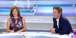 Ana Rosa Quintana le gasta una broma aJoaquín Prat