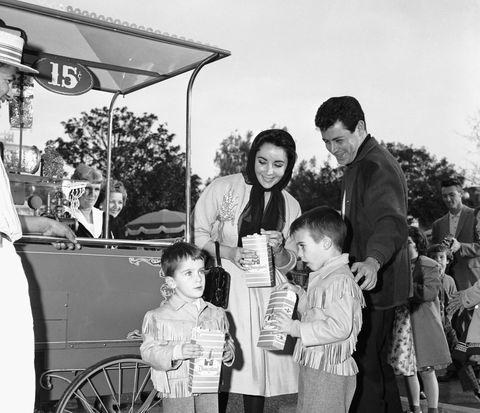 elizabeth taylor and eddie fisher with children