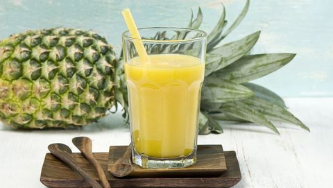 Ananas apple smoothie in glass