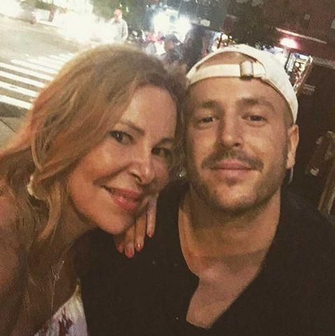 Ana Obregón posa con su hijoÁlex Lequio en Nueva York
