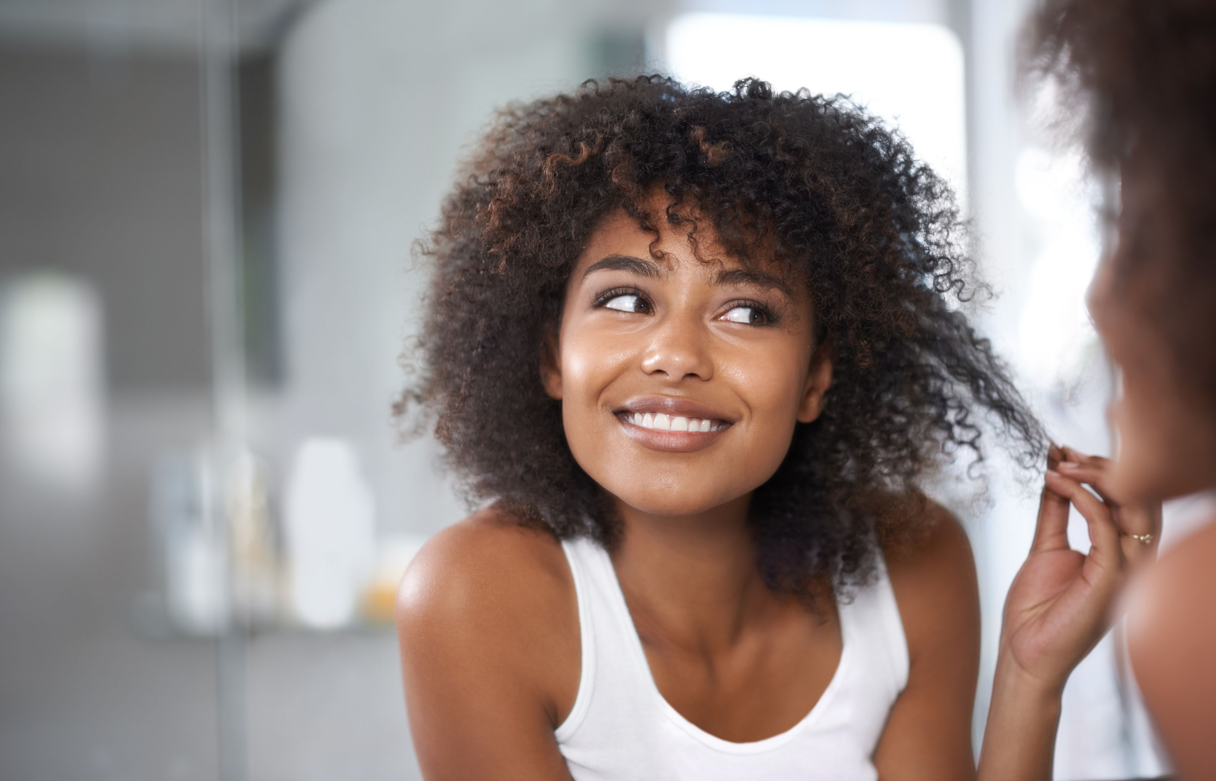 6 Apple Cider Vinegar Benefits for Your Hair