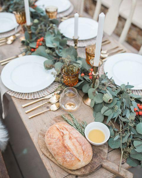 green thanksgiving tablescape   elle decor