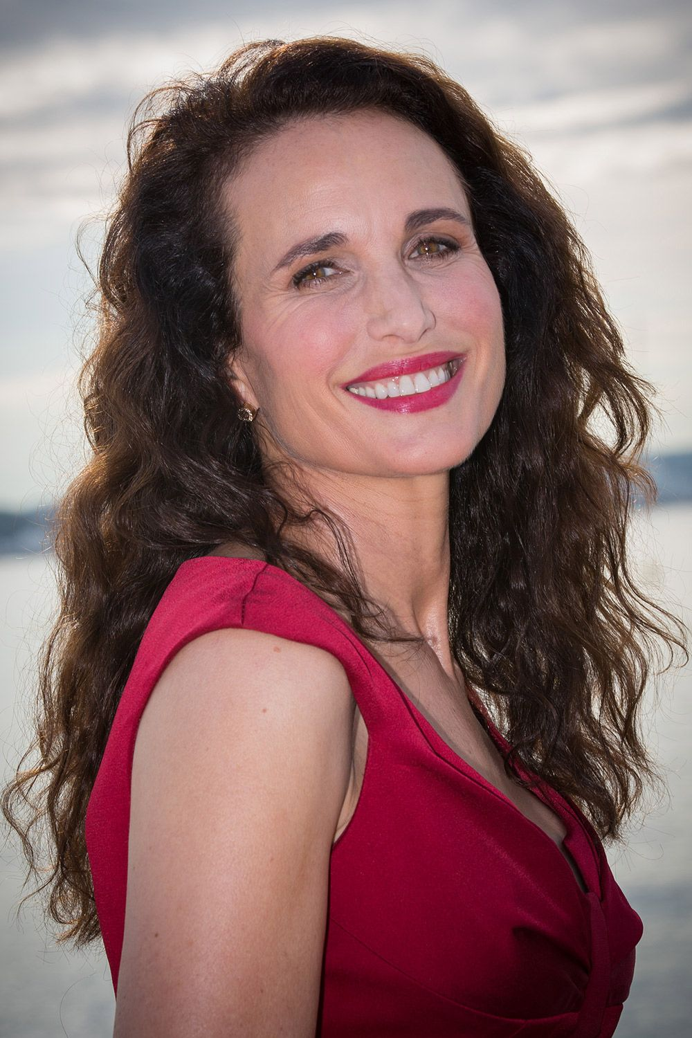 Andie Macdowell Confirms Role In Four Weddings And A Funeral Tv Series