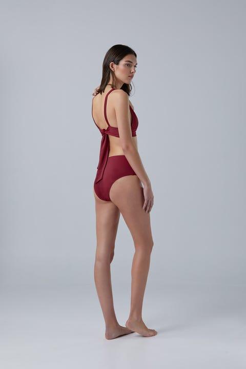 Clothing, Fashion model, Shoulder, Human leg, Standing, Beauty, Skin, Model, Swimwear, Lingerie,