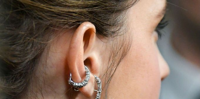 glamour-andrea-piep-in-oor