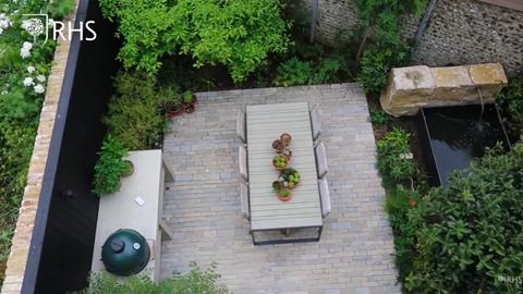 andy sturgeon's courtyard garden in brighton