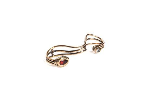 Fashion accessory, Jewellery, Body jewelry, Metal, Silver, Ear, Auto part,
