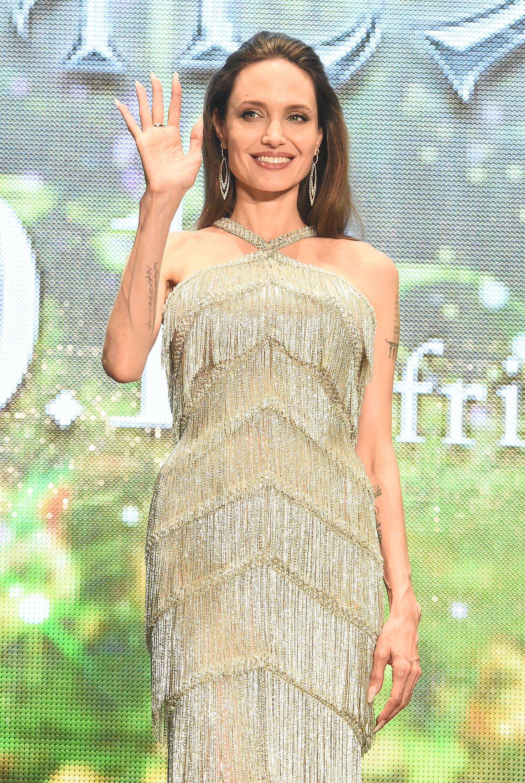 El Look De Flecos De Angelina Jolie Que Puedes Comprar En Zara