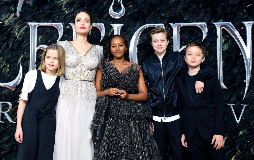 Angelina Jolie And Her Kids Vivienne Knox Shiloh And