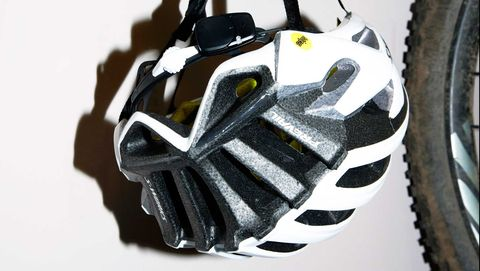 Bicycle part, Tire, Bicycle wheel, Bicycle tire, Wheel, Vehicle, Rim, Automotive tire, Spoke, Bicycle drivetrain part,
