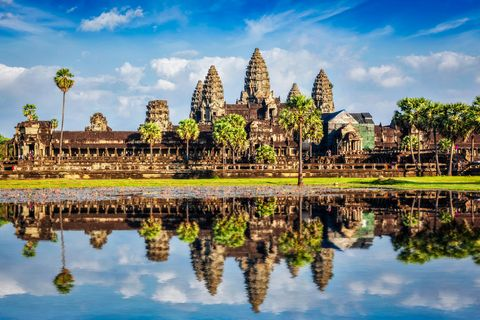 angkor wat temple   cambodia iconic landmark with reflection in water