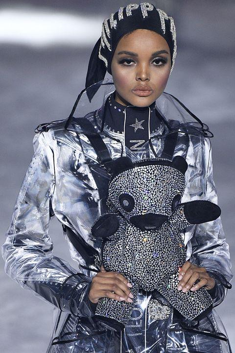 f1b9e1343a3b42 30  90s Fashion Trends Making a Comeback - Nostalgic  90s Trends Now