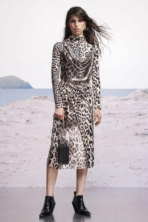 Fashion model, Clothing, Fashion, Dress, Fashion show, Footwear, Fashion design, Runway, Black-and-white, Neck,